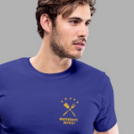 Mann mit T-Shirt, Motiv Bratenschutzaufsicht